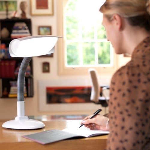 Tageslichtlampe Test - Lumie Desklamp - 03
